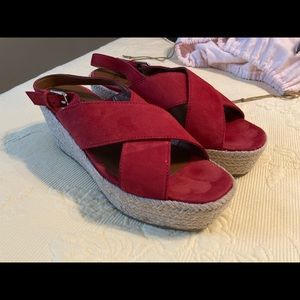 Naturalizer Wedge Buckle Sandals